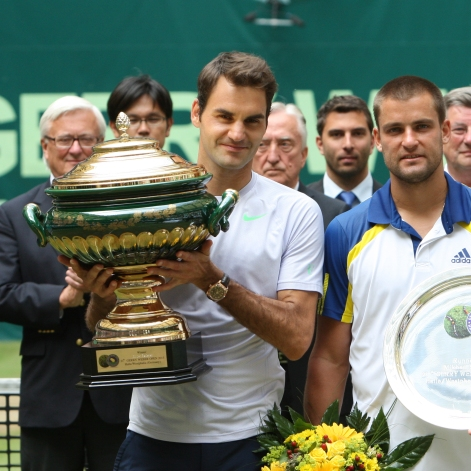 Federer wins his 6th title in 2013